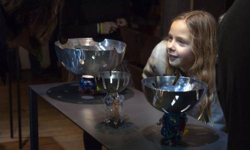Galerie Sýpka vystavuje práce studentů ateliéru Design Skla